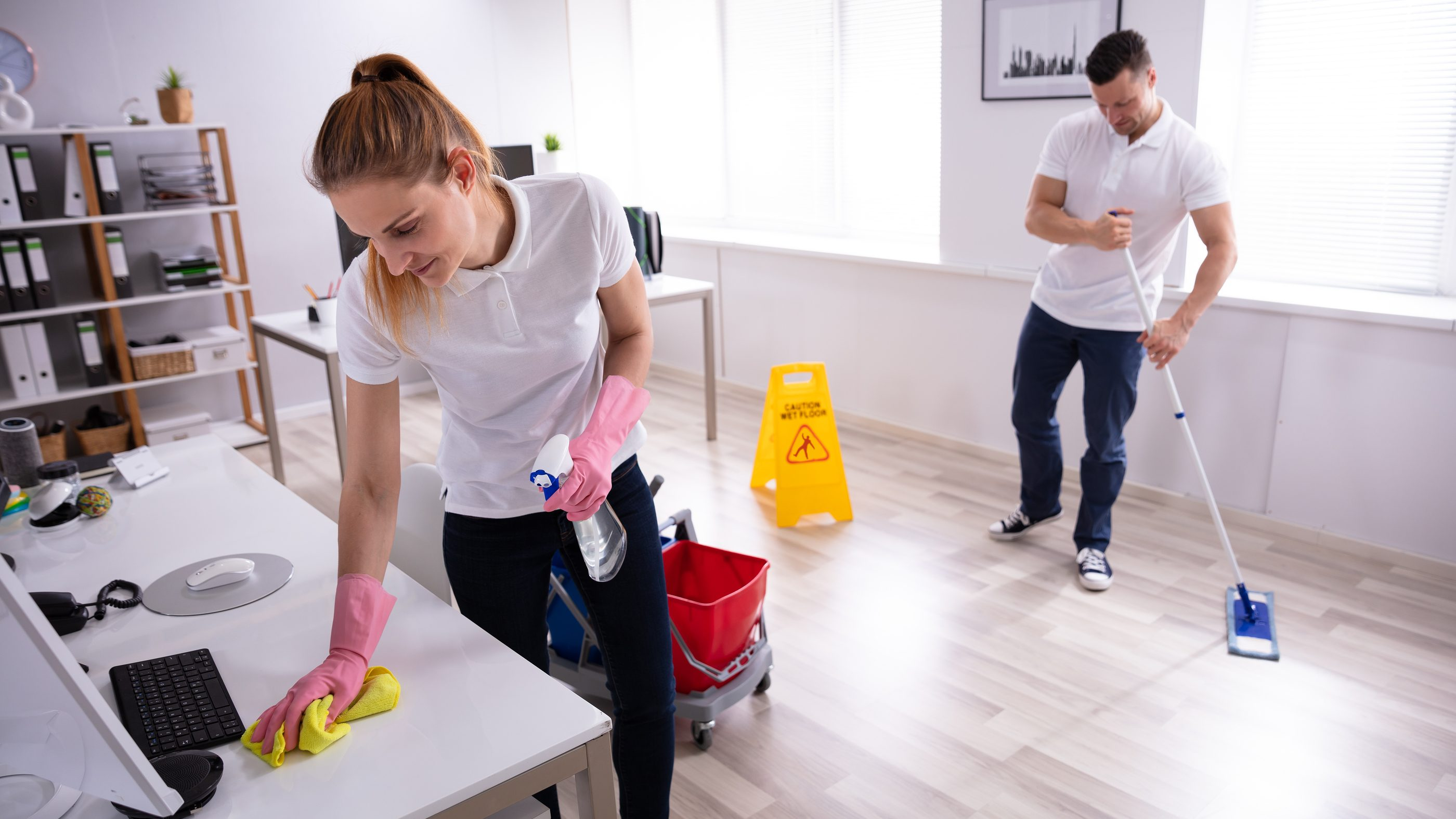 5 reasons to hire a janitorial service for your office